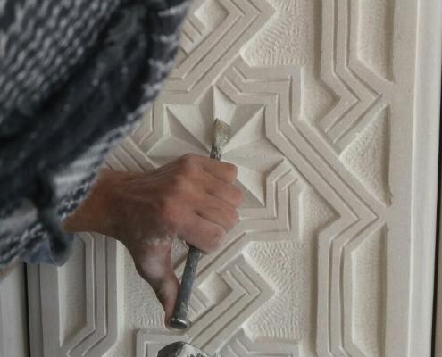 Finjustering av uthugget mönster